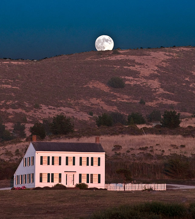 moon rise over the Johnston House